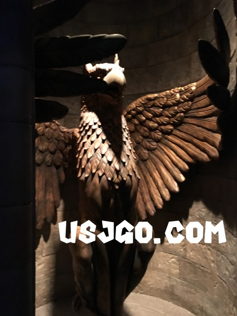 USJ フォービドゥン・ジャーニー 彫像
