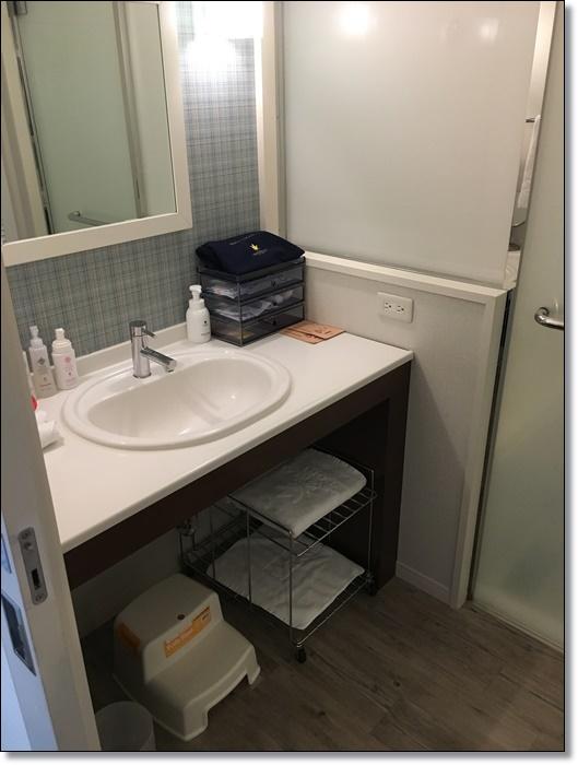 USJ ホテルユニバーサルポート スタンダードキングルーム 洗面台 画像